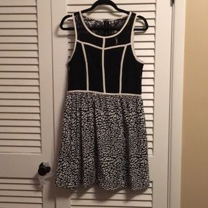 Kensie Dress Size M